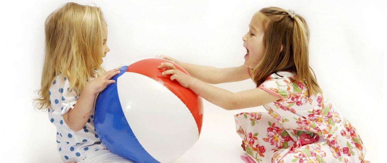 Jak nauczyć dziecko dzielić się zabawkami